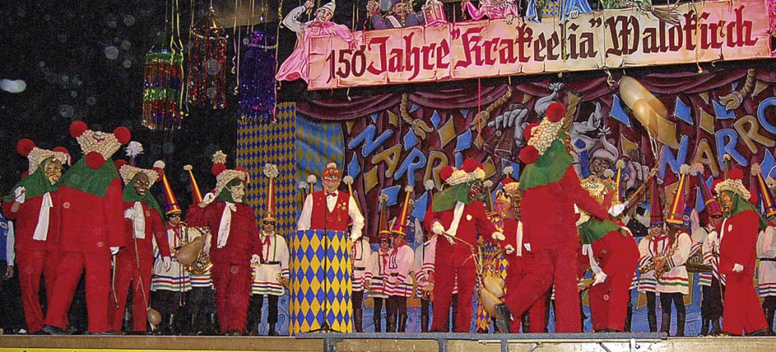 Schau an: Elzacher Schuttig auf der Bühne der 150 Jahre alten Krakeelia.  | Foto: Christian Ringwald