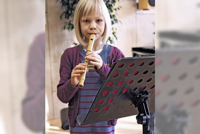 Junge Musiker zeigen vor der Jury ihr Können