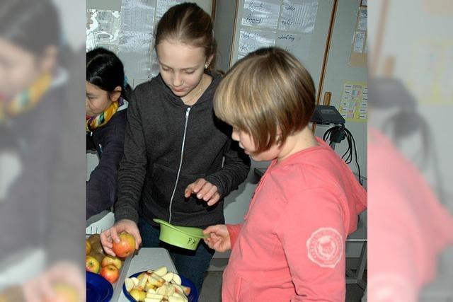 Einheimische und exotische Früchte kommen auf den Tisch