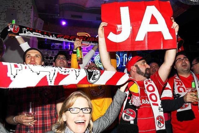 Fotos: SC Freiburg und Befürworter feiern