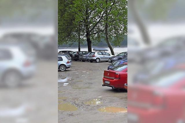 Parkplatz am Stauwehr wird endlich saniert