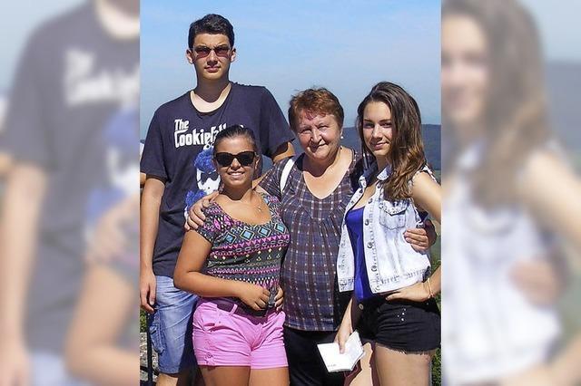 Jugendliche besuchen Familien