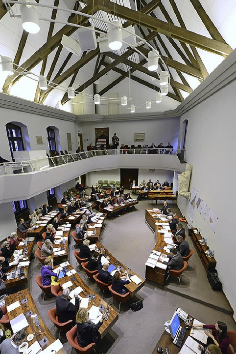 Der Gemeinderat beim Schlagabtausch   | Foto: Ingo Schneider