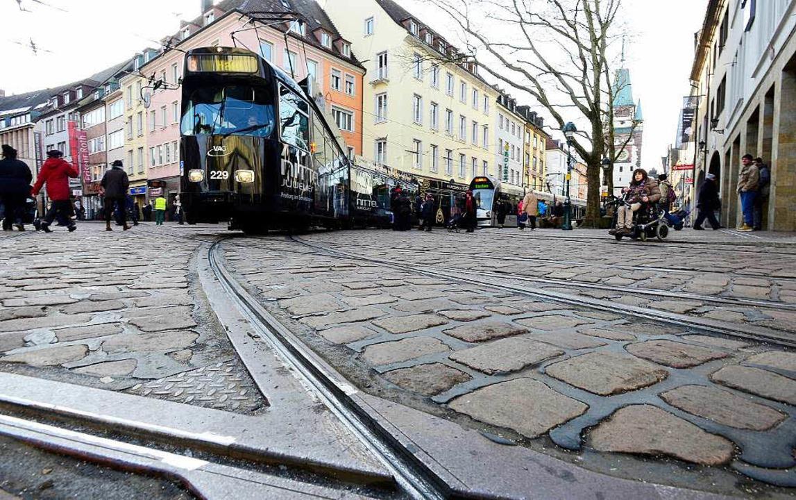 Freiburgs neue Quietschkurve: Trams, d...rtoldstraße einbiegen, sind oft laut.   | Foto: Ingo Schneider