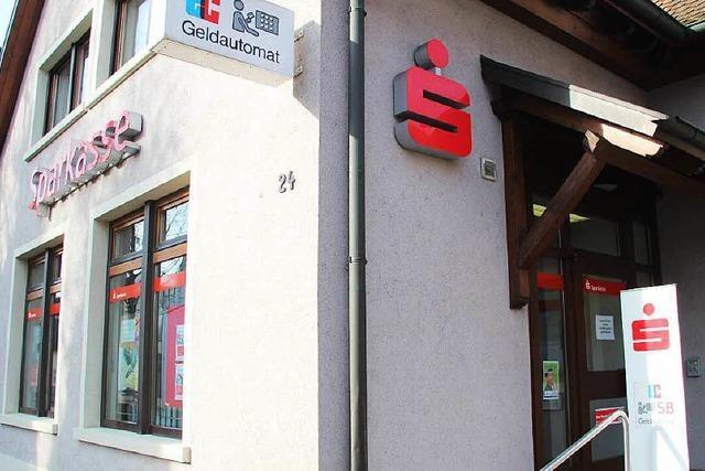 Überfall auf Sparkasse in Gottenheim: Täter weiter auf der Flucht