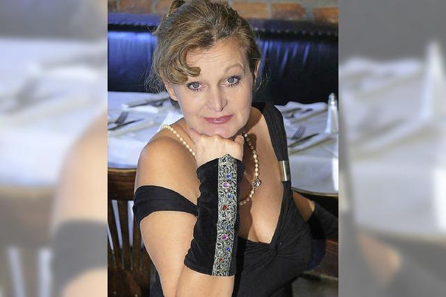 Barbara Weinzierl auf der Emmendinger Maja-Bühne
