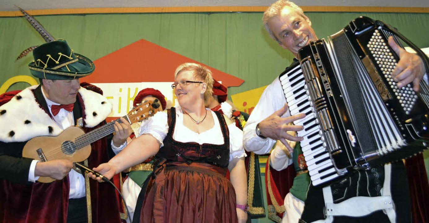 Hürus Klaus de Chlampfer  (links) verm... neues Fasnachtslied uff Alemannisch.     Foto: Paul Berger