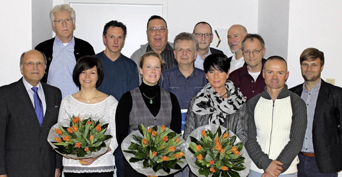 Langjährige Mitarbeiter wurden bei der...ck für das Geschäftsjahr 2015 geehrt.   | Foto: Vollherbst Druck