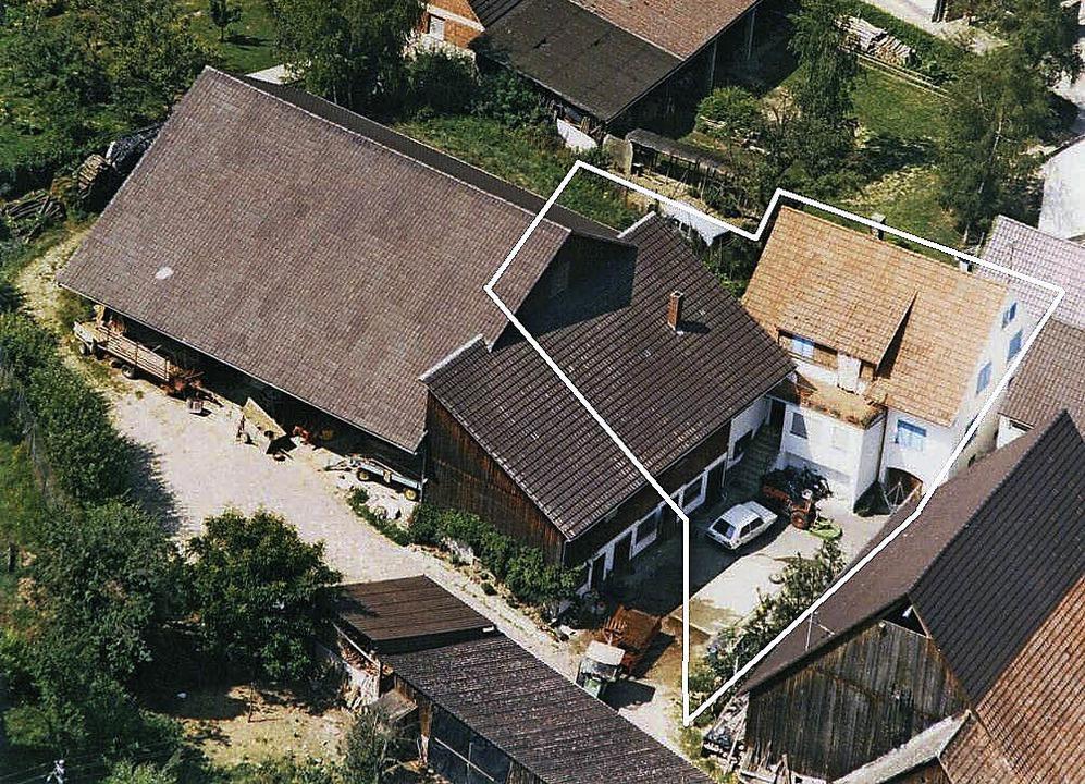 Der Maier-Hof in Mauchen von oben: Der...l des Anwesens soll erhalten bleiben.   | Foto: privat