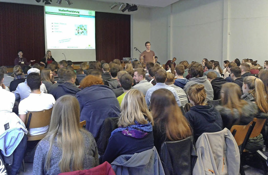Groß war das Interesse der Schülerinne...fo-Veranstaltung zum Thema Berufswahl.  | Foto: Presse AG Gymnasium Kenzingen
