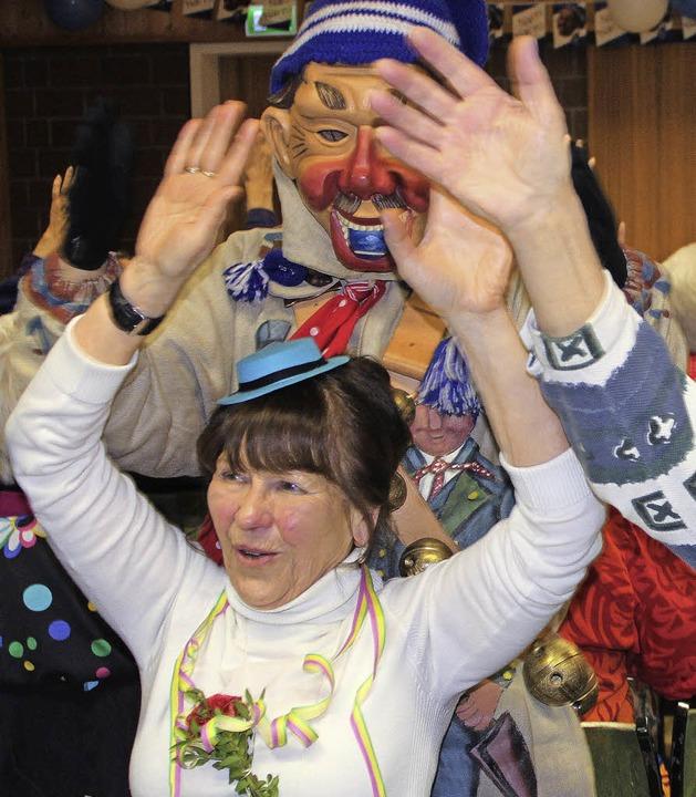 """""""Und dann die Hände zum Himmel, ...211; was bedarf es mehr an der Fasnet?    Foto: Martha Weishaar"""
