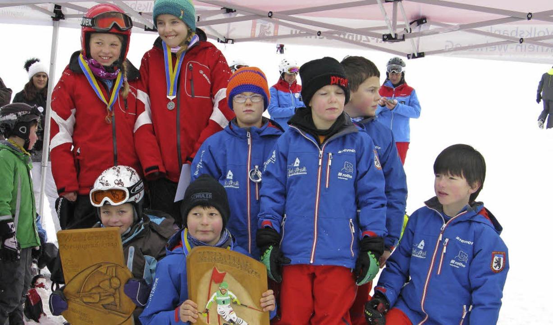 Die beiden besten Grundschulen: Bei de...hen (rote Jacken, GS      St. Blasien)  | Foto: Ulrike Spiegelhalter