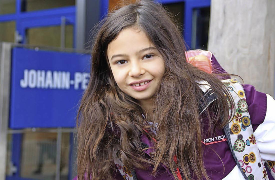 Trotz Ferien geht Chiara aus Chile gerne in die Hebel-Schule.     Foto: Anja Ihme
