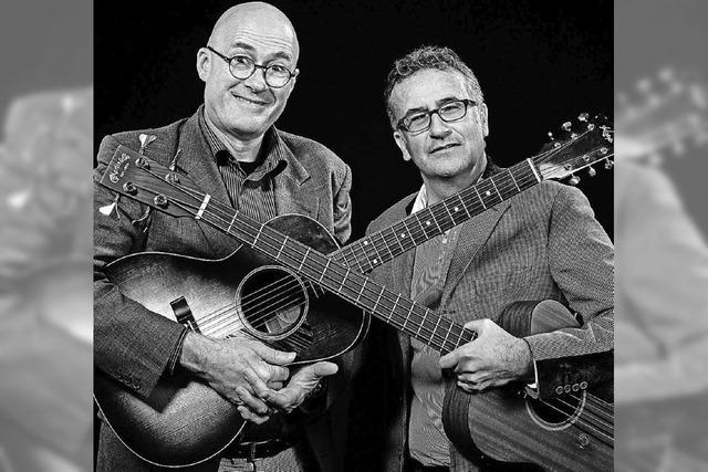 Das Duo Weniger Egli tritt in Basel auf