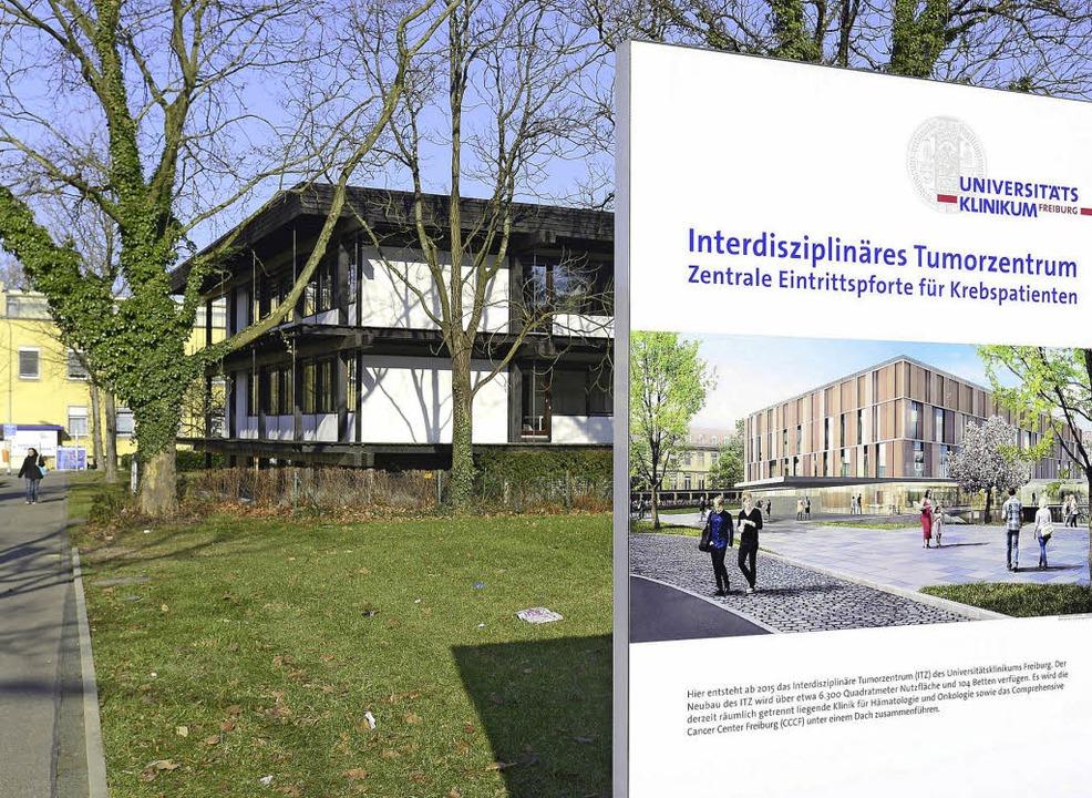 Von links nach rechts, von alt nach ne...x-Bauamt und  künftiges Tumorzentrum.   | Foto: Schneider