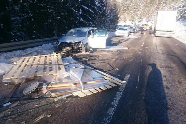 Schwerer Unfall auf B31 Umleitung- Sperrung aufgehoben