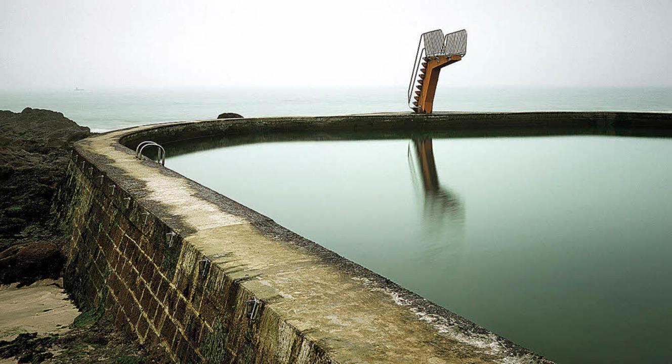 Stillleben der Zivilisation: Schwimmba...y-Portrieux an der  Côtes-d'Armor   | Foto: Ralph Dinkel