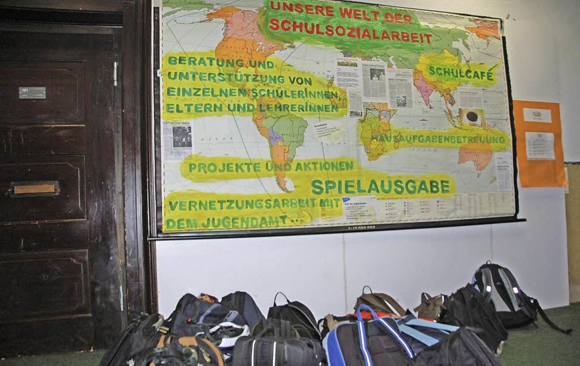 Unverzichtbar im Schulalltag: Ein Schü...den Markgrafenschulen in Emmendingen.   | Foto: Gerhard Walser