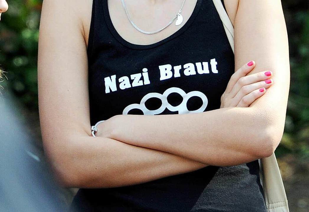 Eine Frau, die Mitglied in der NPD ist...che Verwaltung in Kehl exmatrikuliert.  | Foto: Deutsche Presse-Agentur