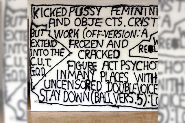 Schrift im Raum in der Freiburger Galerie Marek Kralewski