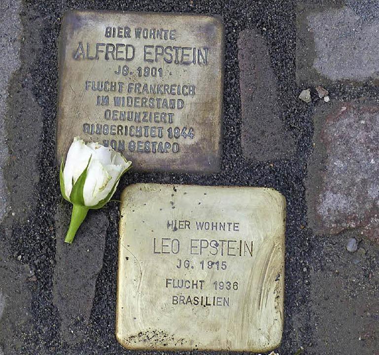 Erinnerung an die jüdischen Opfer des ...ersteinen für Sophie und Leo Epstein.   | Foto: Presse AG Gymnasium Kenzingen