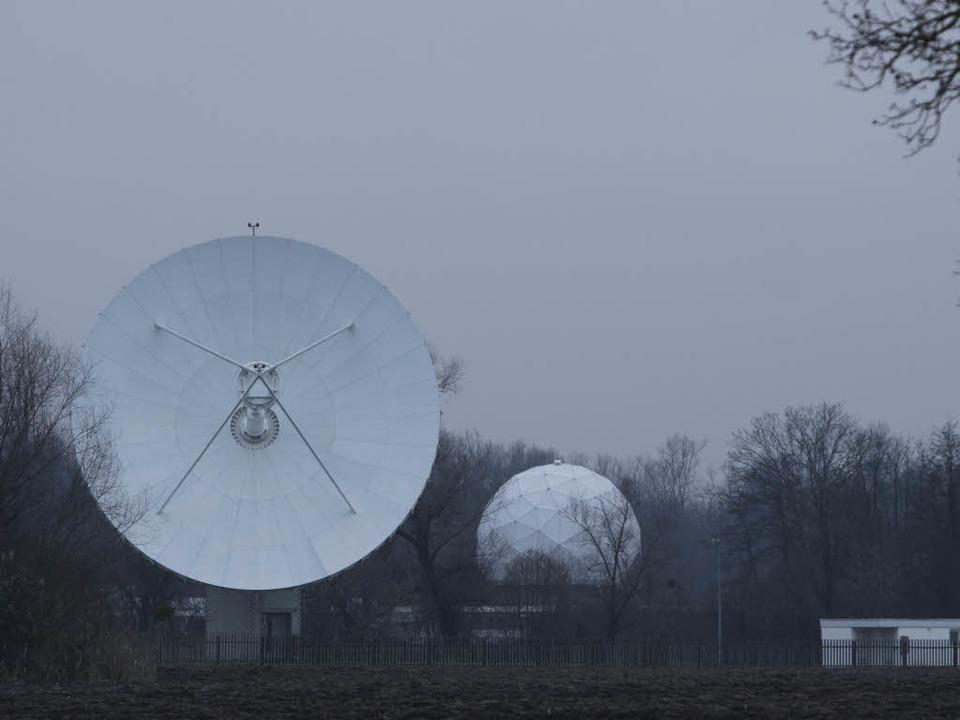 Hören, was gesprochen wird – Satellitenschüsseln in Rheinhausen.  | Foto: Patrik Müller