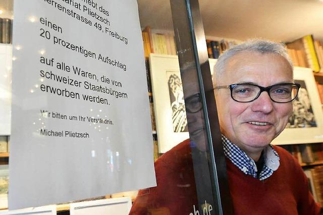 Freiburger Antiquar verlangt Strafzoll von Schweizern
