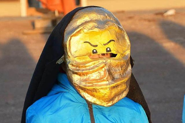 Fotos: Kinder basteln eigene Fasnachtsmasken