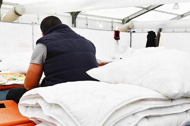 Unterkünfte für Flüchtlinge: Land muss kurzfristig reagieren
