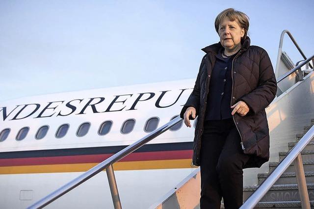 Angela Merkel verbringt die meiste Zeit im Flieger - und sie steht's gelassen durch