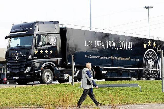 Der WM-Truck ist in Freiburg angekommen