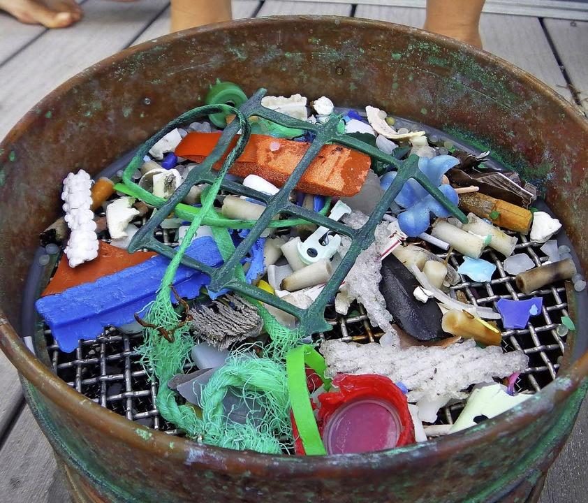 Plastik, vor den Kanaren aus dem Meer gefischt   | Foto: dpa