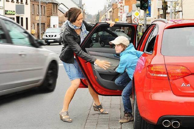 Eltern ächzen unter den Fahrtkosten zur Schule