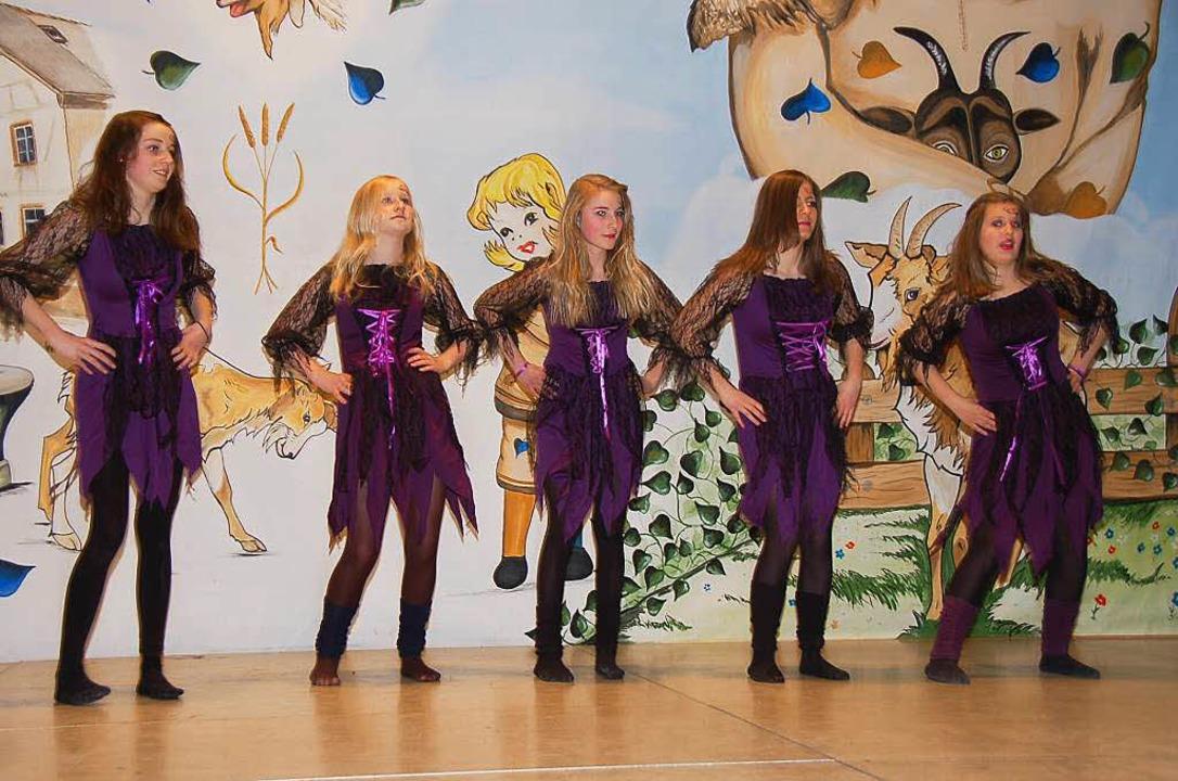 Die Teenie-Tanzgruppe der Geißenzunft um Claudia Güntert gab alles!  | Foto: Jutta Binner-Schwarz