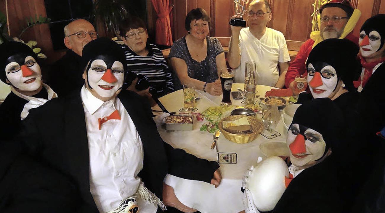 Klimaerwärmung:  Vier Engländer, Klaus Hör, fünfeinhalb  Pinguine    Foto: thomas binder