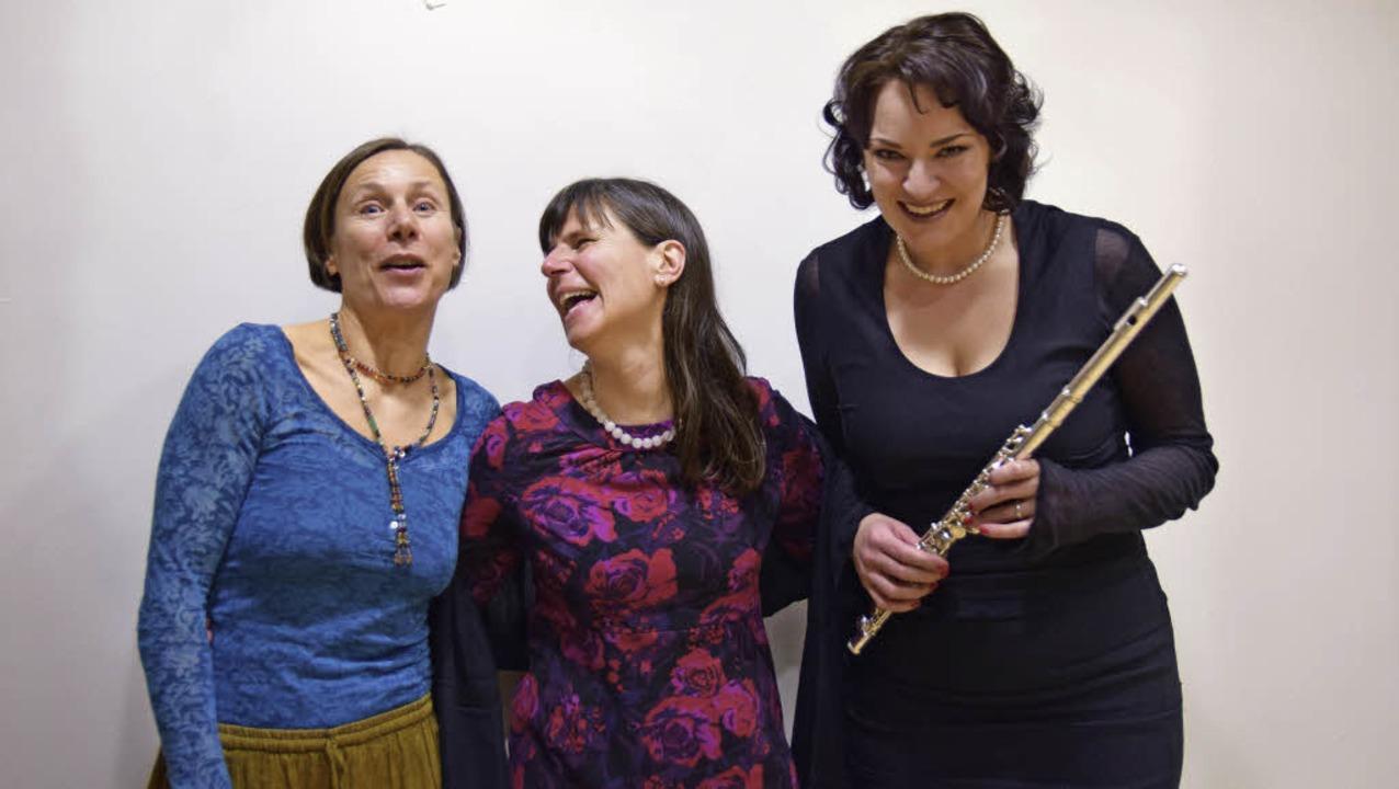 Karolina Siebold, Karla Krauß, Annabar...ben beim Erzählkunstabend mitgewirkt.   | Foto: Beatrice Ehrlich