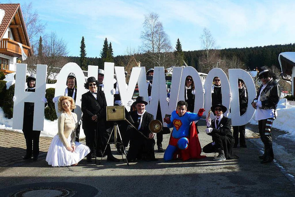 """Die Fußgruppe der """"Schluchseepromis"""" präsentierte sich im Hollywood-Stil. (Foto: Ute Aschendorf)"""
