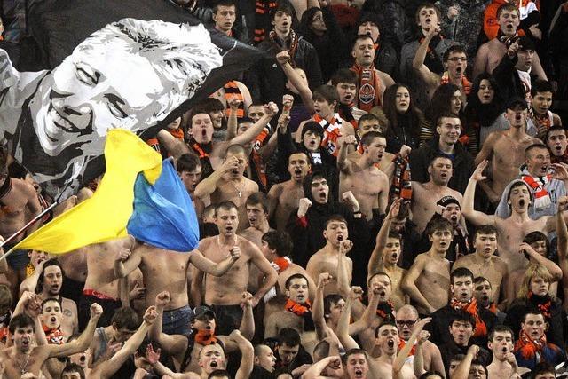 Fußballverein Schachtjor Donezk muss im Exil spielen