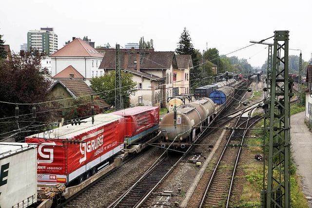Bahntrasse: Landrat Scherer plädiert für Autobahnparallele