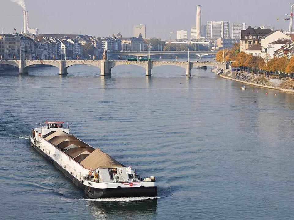 Auf dem Rhein bei Basel kam es zu dem tödlichen Schiffsunglück.  | Foto: Daniel Gramespacher
