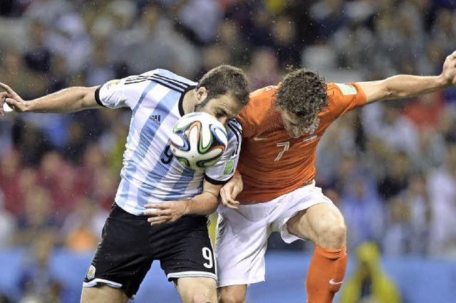 Argentinien schleicht ins Finale