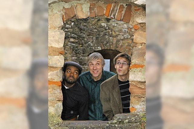 Das Fuja-Trio spielt im Foyer des E-Werks