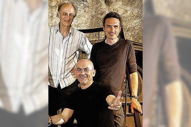 Paul Millns spielt mit seiner Band in der Freiburger Wodan Halle