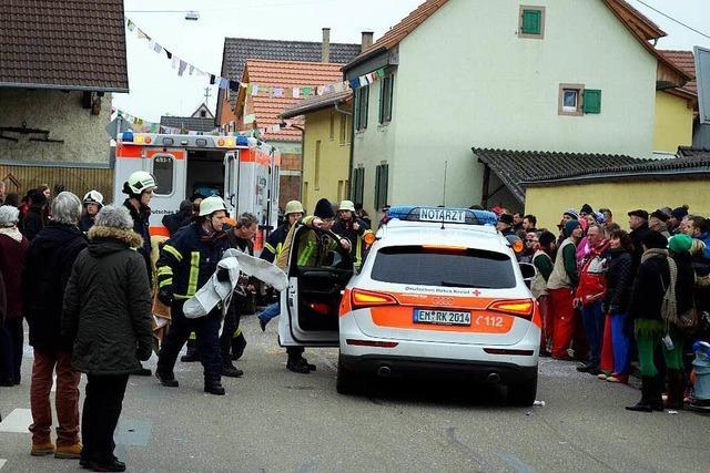 Unfall bei der Fasnet: Umzugswagen fährt 17-Jährige an