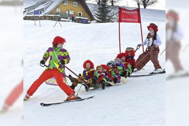Rasanter Fasnachtsspaß auf der Ski-Piste