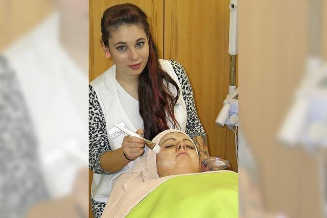 Ausbildungsberuf Kosmetikerin: Angelina Valentino will Menschen schöner machen