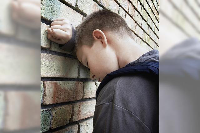 Wie kann man Kindern psychisch kranker Eltern helfen?