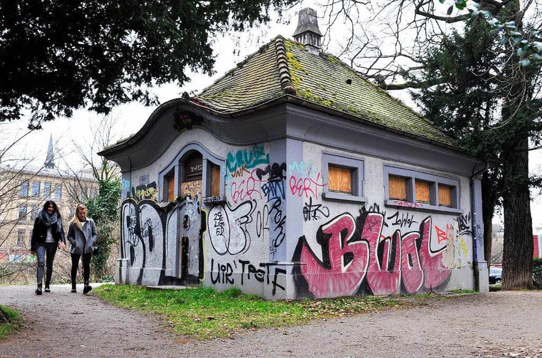 Im Jahr 1912 beschloss der Freiburger ...eute ist sie geschlossen und besprüht.  | Foto: Thomas Kunz