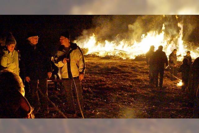Lodernde Flammen am Lempisberg