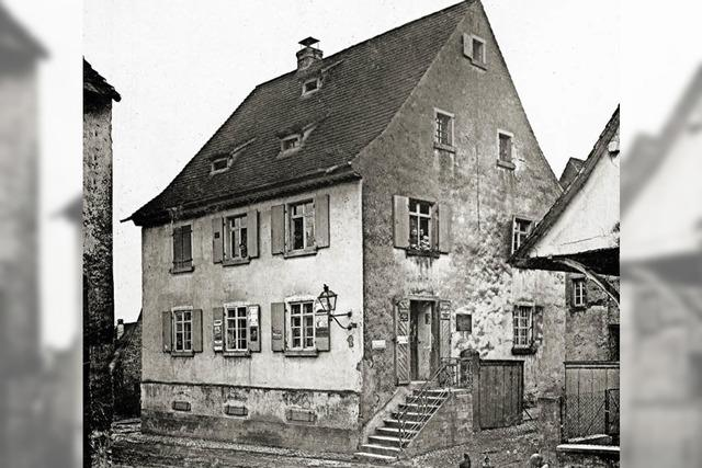 Die lange Geschichte des rosa Hauses